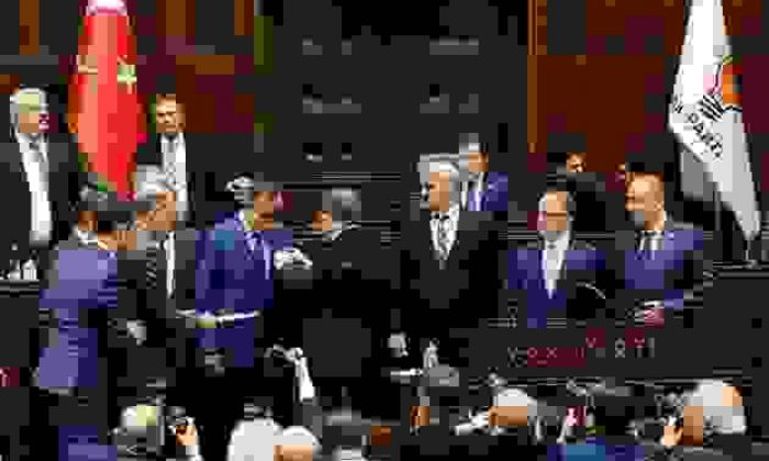 Çanakkale'nin MHP'li Başkanları Ak Parti'yi Tercih Etti