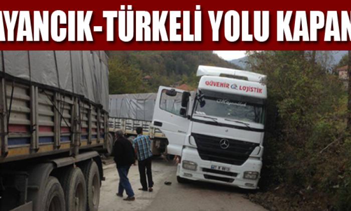 Ayancık-Türkeli yolunda Kaza