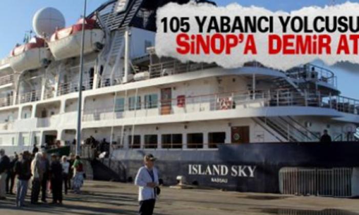 Yabancı turist gemisi Sinop Limanına demirledi.