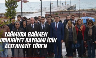 Yağmura Rağmen Cumhuriyet Bayramı İçin Alternatif Tören