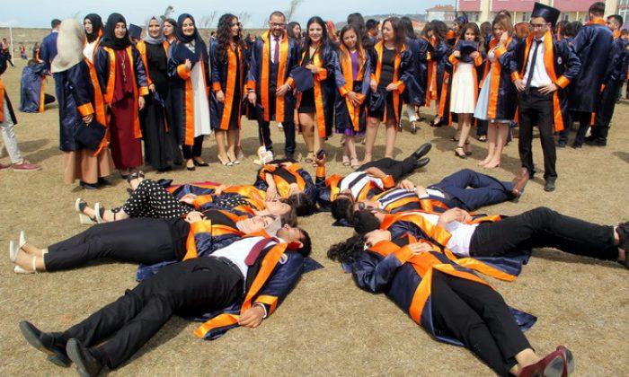 Sinop Üniversitesi'nde mezuniyet sevinci