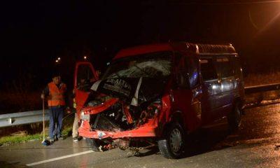 Sinop'ta iki minibüs çarpıştı