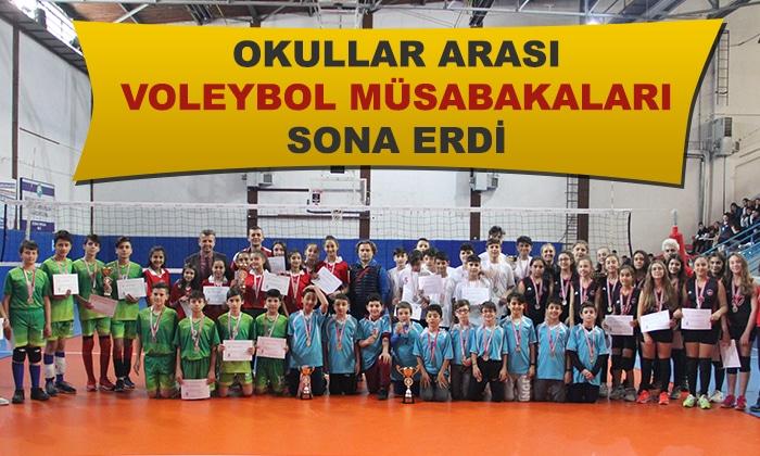 Sinop'ta Okullar Arası Voleybol Müsabakaları Düzenlendi