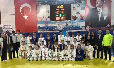 Judo Yıldızlar İl Birinciliği Müsabakaları Düzenlendi