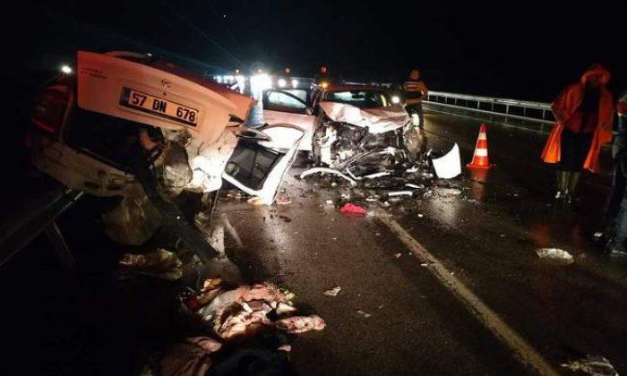 Sinop-Boyabat yolunda feci kaza: 4 ölü 6 yaralı