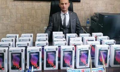 Durağan'da Okul Müdüründen 40 Tablet Desteği