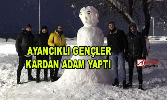 Ayancıklı Gençler kardan adam yaptı