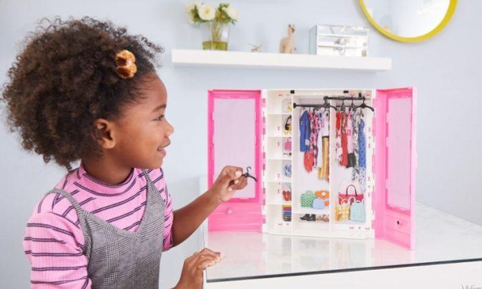 Barbie Bebeği Oyuncağı Çocukların Gelişimine Katkısı Nedir?